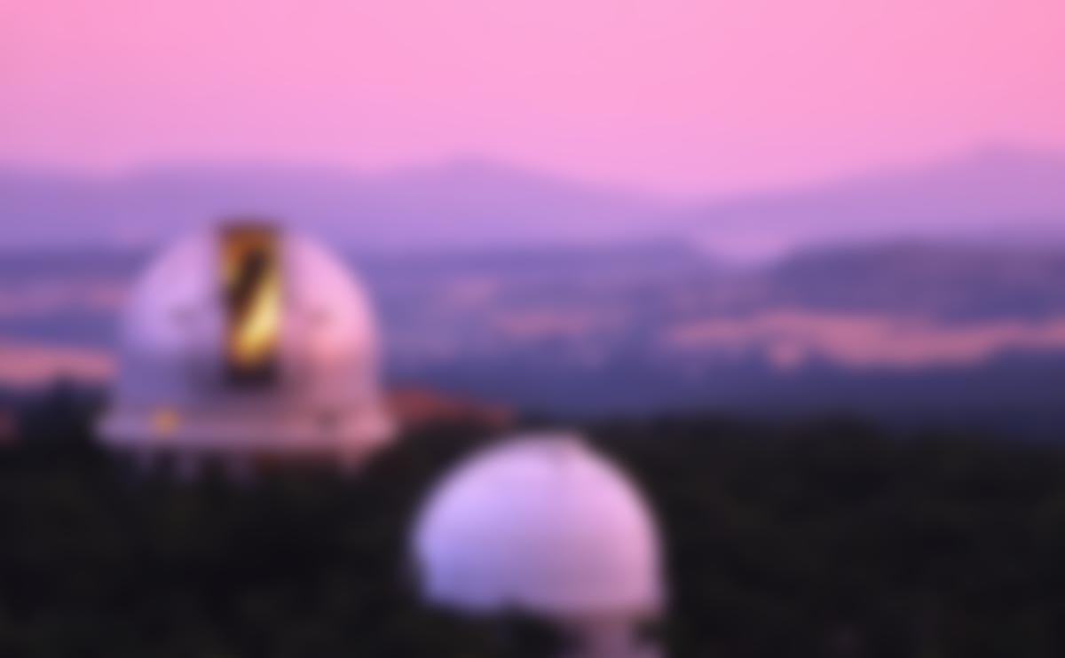 L'observatoire de Haute-Provence. C'est au télescope de 193cm (au deuxième plan) qu'est installé le spectroscope SOPHIE, qui a contribué à la détection et à la caractérisation du système exoplanétaire WASP‑148.