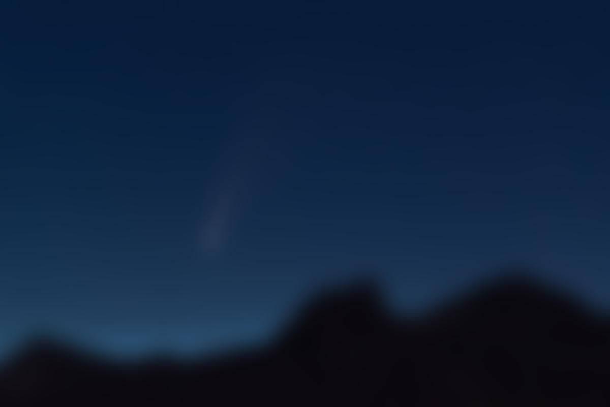 NEOWISE le 8juillet 2020 à l'aube en Tarentaise (Savoie) au-dessus de nuages noctulescents