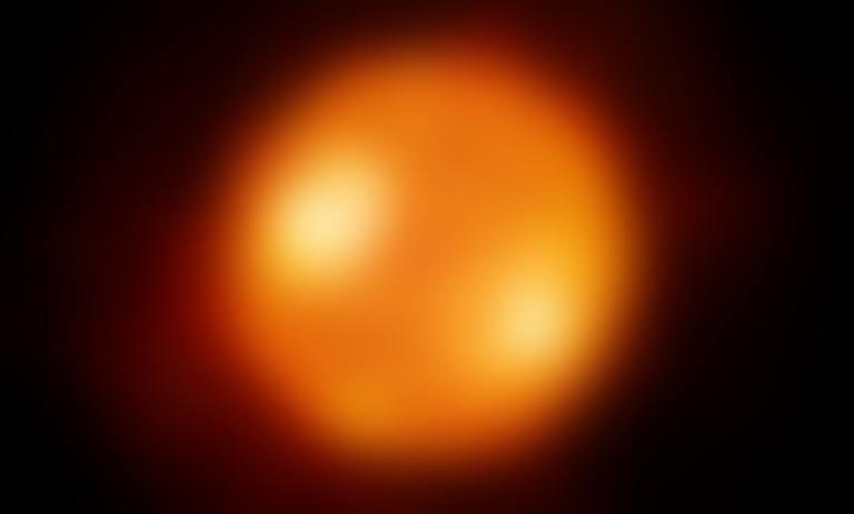 Vue d'artiste de la supergéante rouge Antarès